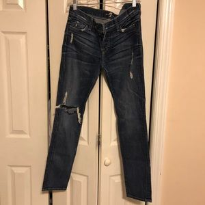 💙 SEVEN RIPPED BLUE JEANS 👖💙 SIZE 26